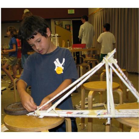 Construyendo Puentes. Photo credit from original activity by Explora
